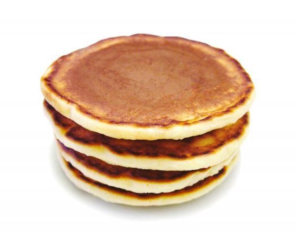Cómo hacer tortitas. Las tortitas o panqueques -procedente del inglés pancakes- son un plato común en la cocina de muchos países, que pueden servirse acompañadas tanto de ingredientes dulces como salados. Preparar tortita...