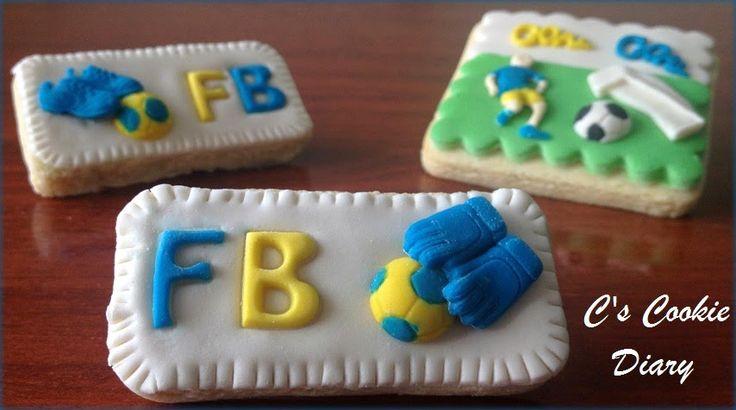 C's Cookie Diary / C'nin Kurabiye Günlüğü: Taraftar Temalı Kurabiyeler  fenerbahçe - sevgi , sevgililer günü hediyesi , sevgililer günü kurabiyesi , sevgiliye hediye , TARAFTAR TEMALI KURABİYE , yeni blog , ŞEKER HAMURLU KURABİYE , şeker hamuru , taraftar , galatasaray beşiktaş trabzonspor bursaspor