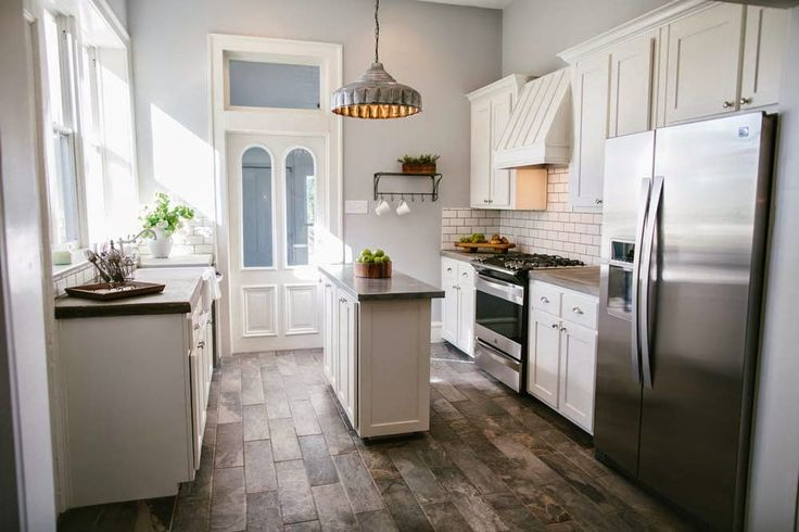 Joanna gaines spotlight and chip and joanna gaines on for Show kitchen designs