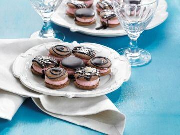 Bochánky s jahodovým krémem / Sweets with strawberry cream