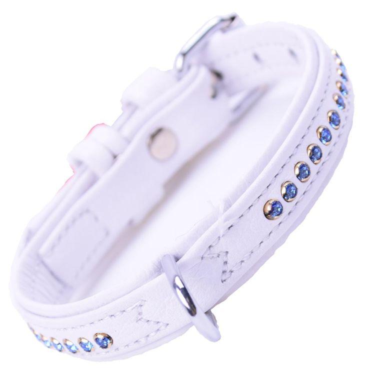 GogiPet+®+Swarovski+Saphir+Hundehalsband+mit+27+cm+-+Für+Halsumfang+von+19+-+25+cm.+Weißes+Swarovski+Saphir+Hundehalsband+aus+hochwertigem+Floater+Leder+mit+27+cm.+GogiPet+®+Echtleder+Luxushundehalsband+mit+originalen+saphirblauen+Swarovski+Kristallen.+Das+Strasshundehalsband+mit+einer+Breite+von+1,5+cm+eignet+sich+für+Minihunde+mit+einem+Gewicht+bis+10+kg+und+bei+Onlinezoo+erhalten+Sie+das+GogiPet+®+Swarovski+Hundehalsband+besonders+günstig+statt