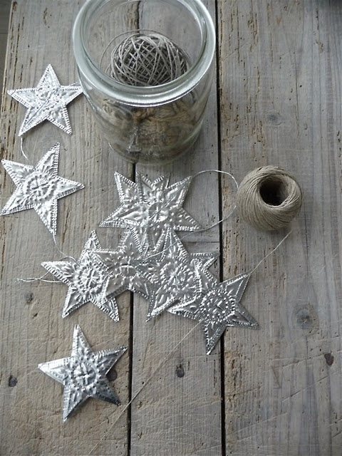 ♕ string of stars <3  Could make these and put a string of lights behind them!