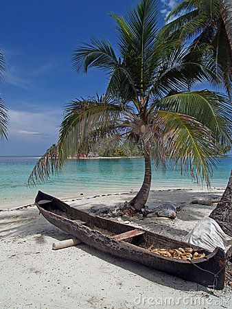 Tropical white sand beach ~ Panamá.           I want to go away now with you...here!