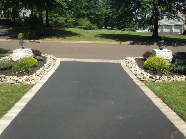 half circle asphalt driveways with Fieldstone border - Google Search