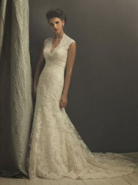 I'm secretly obsessed with lace wedding dresses :)