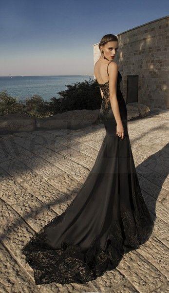 Per una serata speciale a due sensualità e femminilità allo stato puro. Stregata dalla Luna, la nuova collezione di abiti da sera di Galia Lahav Marylin-Black. Model 1462