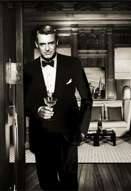 """""""Everybody wants to be Cary Grant. Even I want to be Cary Grant"""". He said that because he understood the adoration and didn't take it seriously. Old Hollywood and very classy #mode #look #icons #fashion #movie #carygrant"""