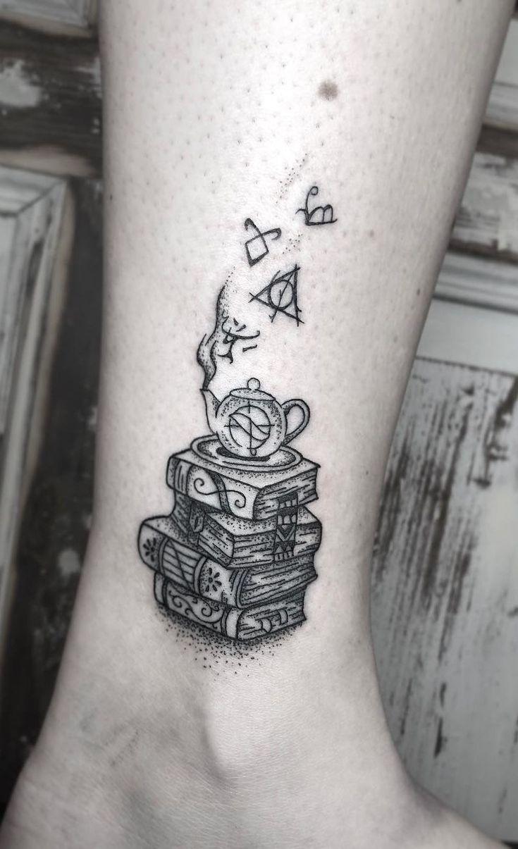 Awe-inspiring Book Tattoos for Literature Lovers – Tattoo ideen