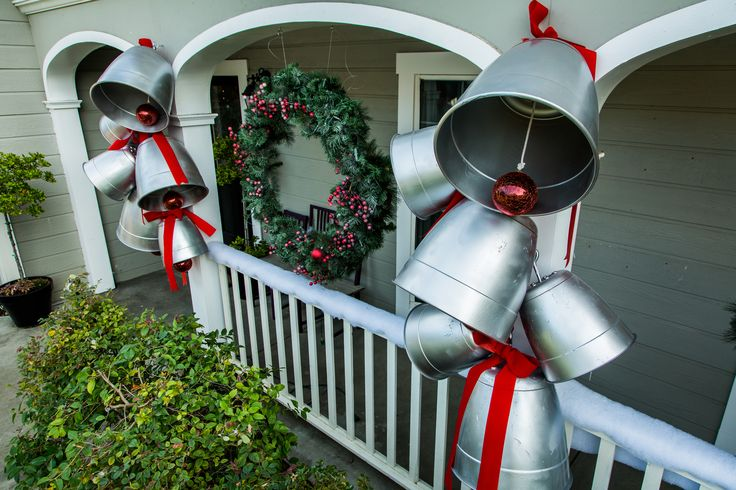 Show off your Christmas spirit with @kennethwingard's DIY Giant Holiday Bells for the front of your house! For more Christmas DIYs tune in to Home & Family weekdays at 10a/9c on Hallmark Channel!