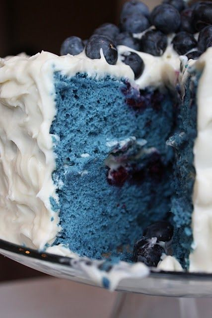 All I can say is... it's BLUE!  Holy crow is it ever blue...    Blue Velvet Cake with Blueberries & Cream Cheese Frosting. Yummy!: Cream Cheese Frostings, Recipe, Blueberries Cakes, Cream Chee Frostings, Red Velvet, Bluevelvet, Blue Cakes, Blue Velvet Cakes, Cream Cheeses