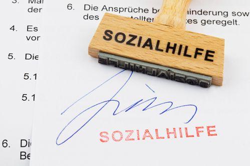 Jak definiowane jest pojęcie dochodu i jakie dochody brane są pod uwagę przy zasiłku dla bezrobotnych Arbeitslosengeld II?
