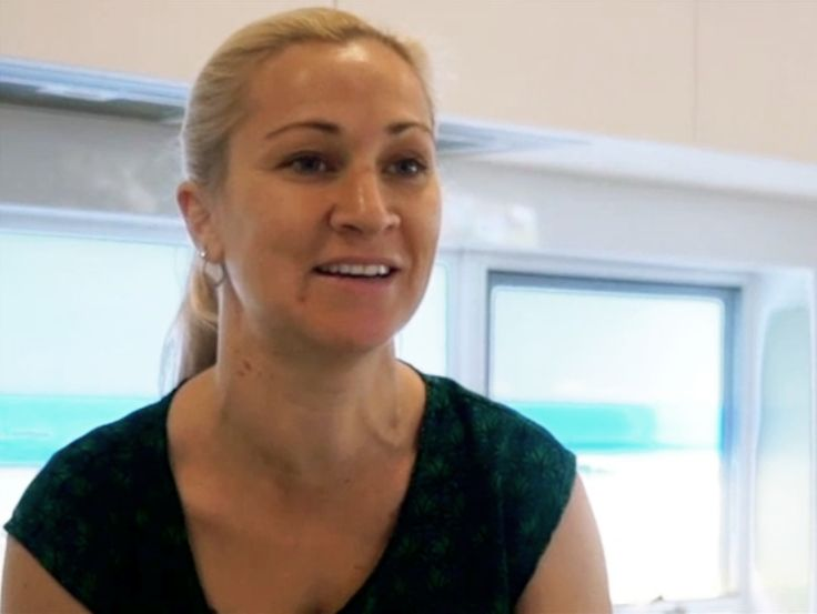 Project home owner Angela Rothwell on how to run a successful project build http://digitaledition.lighthome.com.au/?iid=80630#folio=33