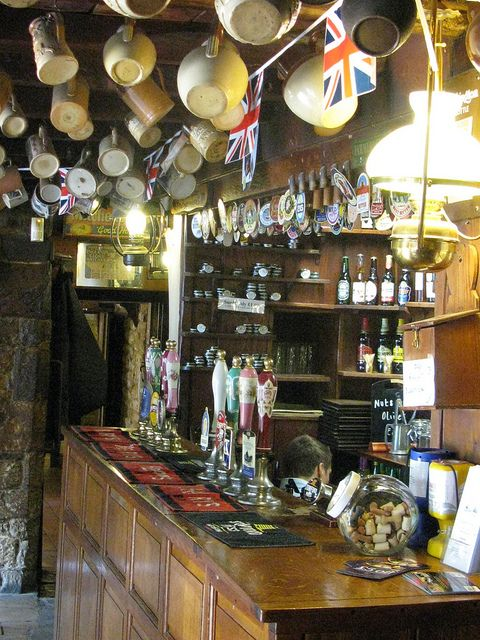 Falkland Arms, Great Tew - 16th Century Pub