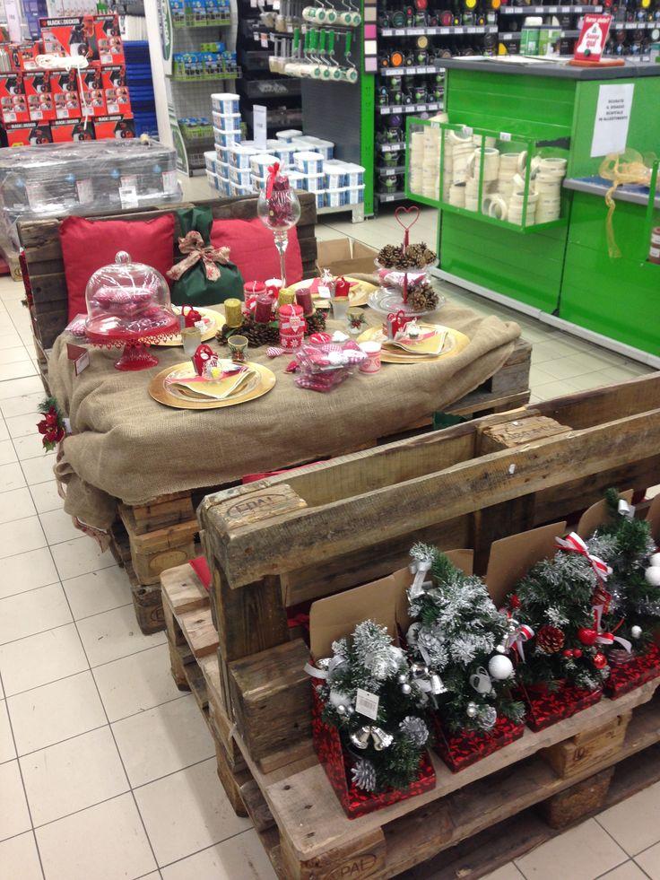Attenzione ai dettagli per un magico Natale.  #pallet #diy #esposizione #CFadda #riciclo #Natale #addobbi #natalizi #faidate