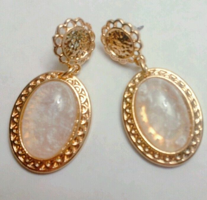 Fashion Trendy Ivory Color Resin Crystal Oval Gold Flower Dangle Party Earrings #FashionJewelry #DropDangle
