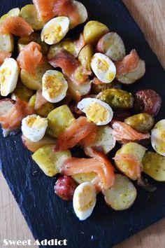 Ensalada de patatas con salmon: http://www.sweetaddict.es/2014/06/ensalada-de-patata-y-salmon-con.html