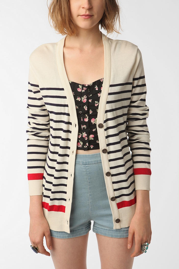 love this cardi from UO, but i'm pretty sure i've seen it at forever 21 for cheaper!