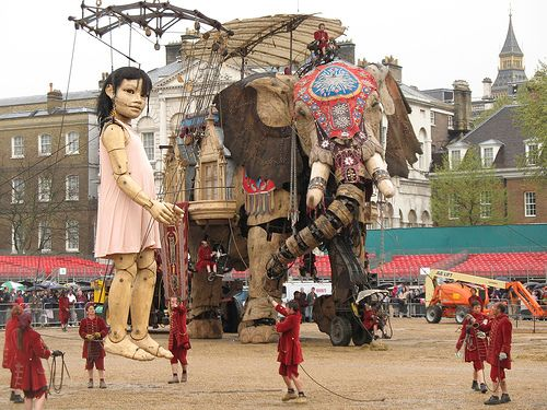 Giant French puppets. Um, now those are puppets!