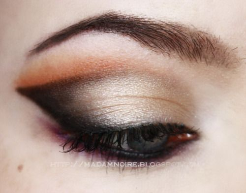 makeup eye shadowMakeup Eyes, Beautiful Booty, Eye Makeup, Catching Eye, Eye Shadows, Be Be Beautiful, Buy Products, Eyeshadows, Eye Make Up