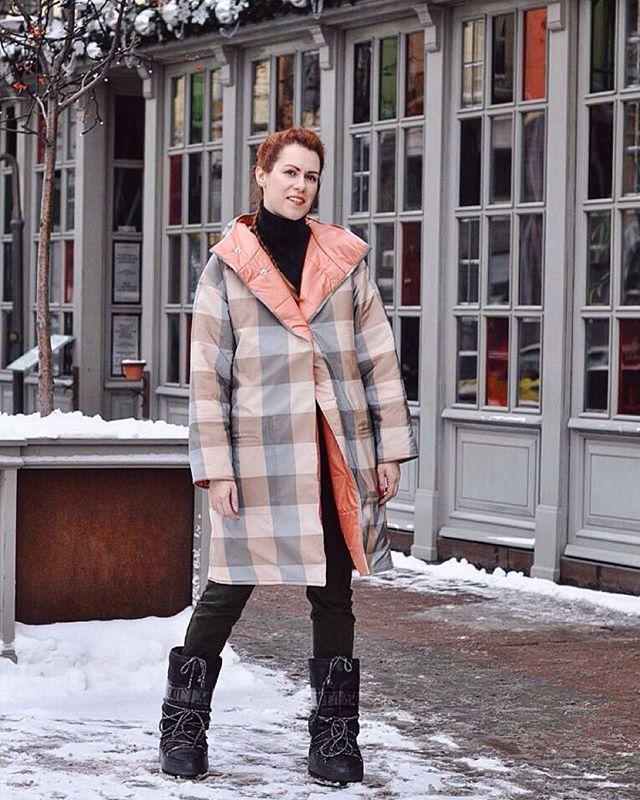 Утро воскресенья в чемоданном режиме. Мчимся в Берлин, покорять мир! Тем временем  предлагаем тебе утеплиться, ведь температура на градуснике стремительно падает, а наша одежда поможет #бытькрасивойвминусдесять ! ❄️ #natashafishchenko #designer #fashion #madeinukraine  #зробленовукраїні #girl #winter