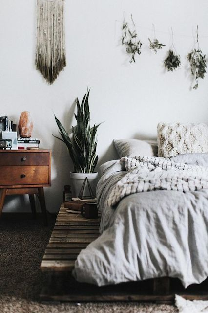 The 29 Most Beautiful Rooms On Instagram #refinery29  http://www.refinery29.com/beautiful-instagram-rooms#slide-10  Organic accessories and lush fabrics are every bit as comfortable as they are cool. ...