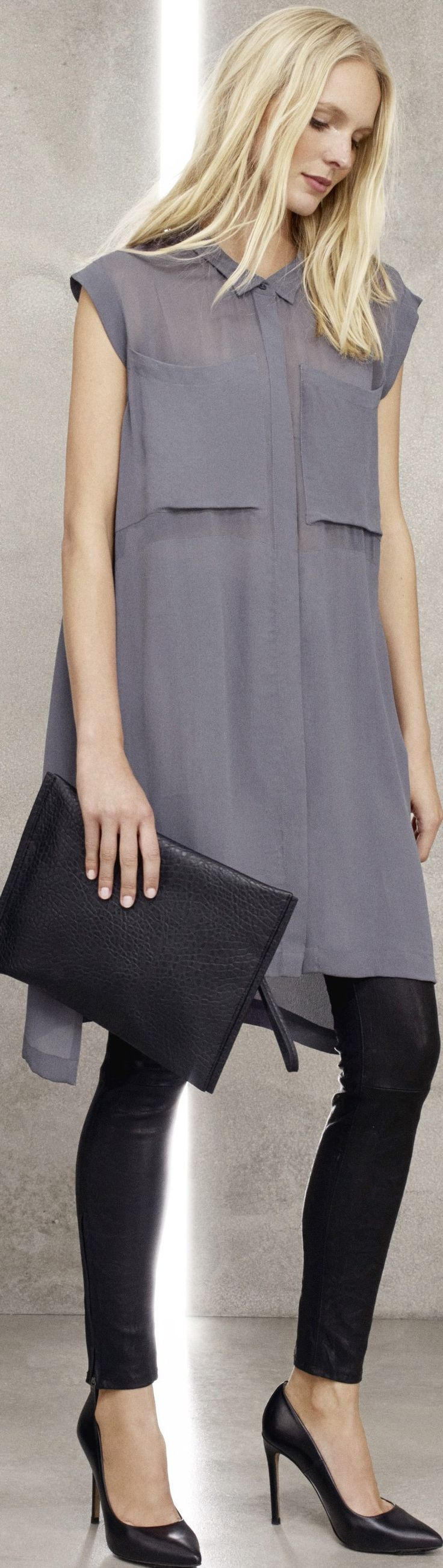Latest Fashion Trend - Grey Outfit for women -  tunic top & leggings - Tips for Fall & Winter Trend - http://www.boomerinas.com/2014/08/26/%ef%bb%bfgray-outfits-for-women-4-tips-for-wearing-gray-in-fall-winter/