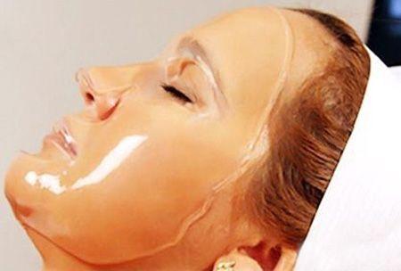Маска для лица с желатином отлично очищает, тонизирует, питает, отбеливает и омолаживает кожу лица. Данная маска основана на натуральных ингредиентах и подойдет практически каждому, причем эффект от е…
