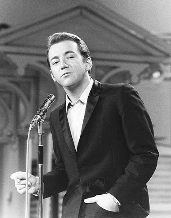 Bobby Darin. He was the sexiest man to ever walked the earth. My absolute favorite singer EVER hands down