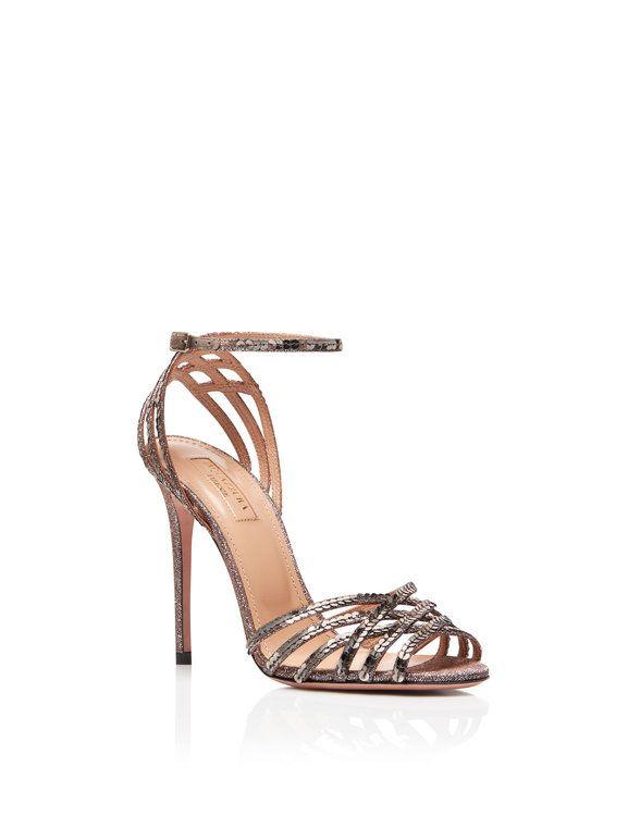 f04f15e40f Zapatos para invitada. ¡Una selección de lo más TOP con diseños y colores  espectaculares! Image  8