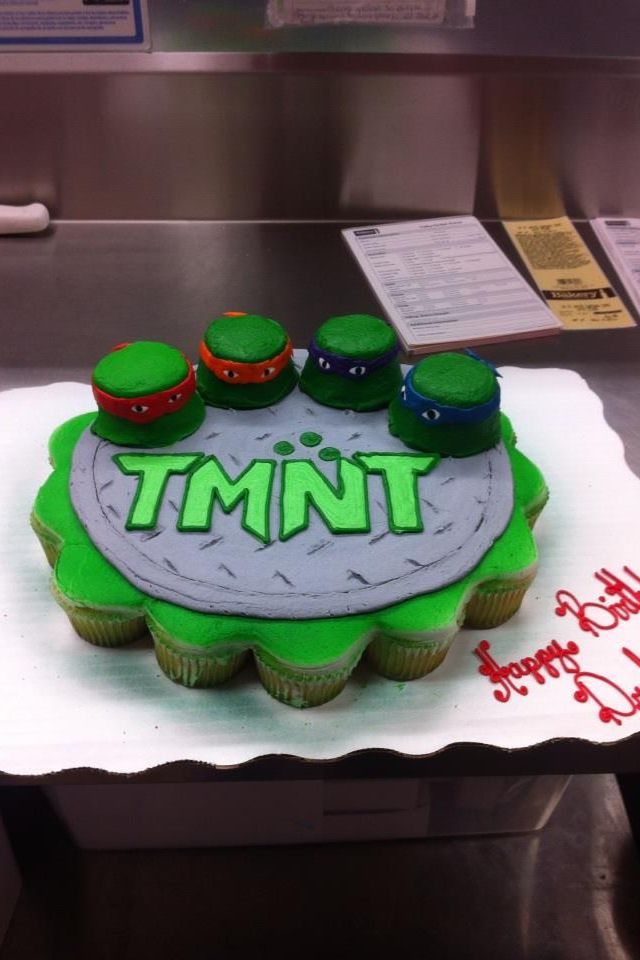 Teenage Mutant Ninja Turtles cupcake cake