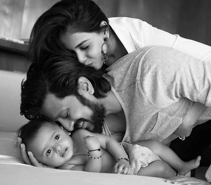 Riteish Deshmukh, Genelia and their son