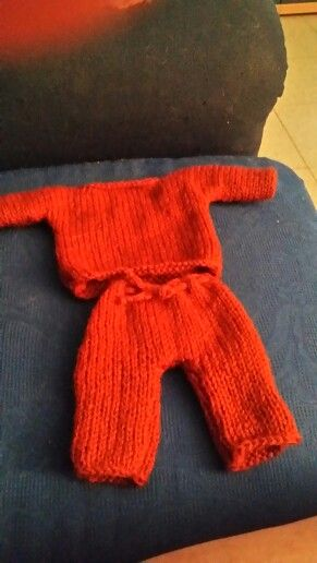 Completino maglione e pantaloni per bambola