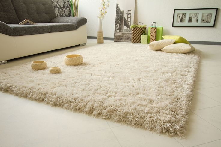 One of the most popular range of our shaggy rugs, dream collection rugs are thick shaggy rugs that are soft and plush. each rug blends chunky thick and fine strands of luxuriously soft piles created from acrylic and soft polyester, and are made with the latest non-shedding fibers, making daily maintenance a breeze. these rugs offer a terrific modern look to any home.  The dream collection rugs come in a number of the latest neutral contemporary tones.
