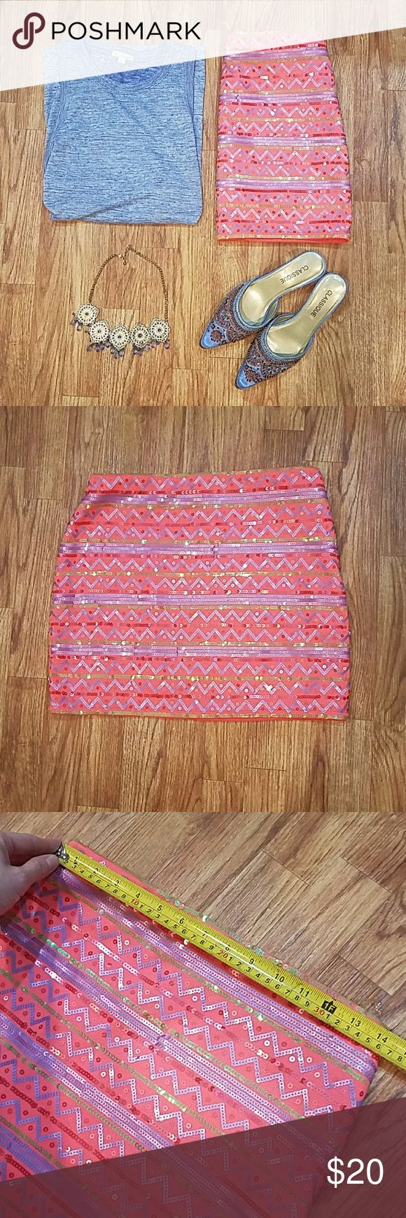 Pink Pattern Sequined Mini skirt Lined EUC Excellent condition. See photos for measurements. Zips and hooks up the side- Hidden in seam. Cute for spring. miami Skirts Mini