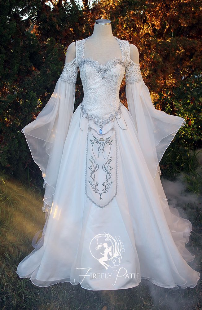Hyrule Gown In 2020 Fantasy Gowns Fantasy Dress Fairy
