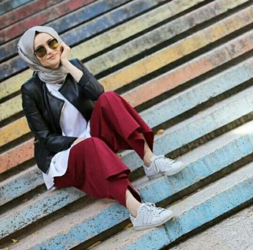 leather-jacket-hijab-outfit- Smart and cute hijab outfits http://www.justtrendygirls.com/smart-and-cute-hijab-outfits/