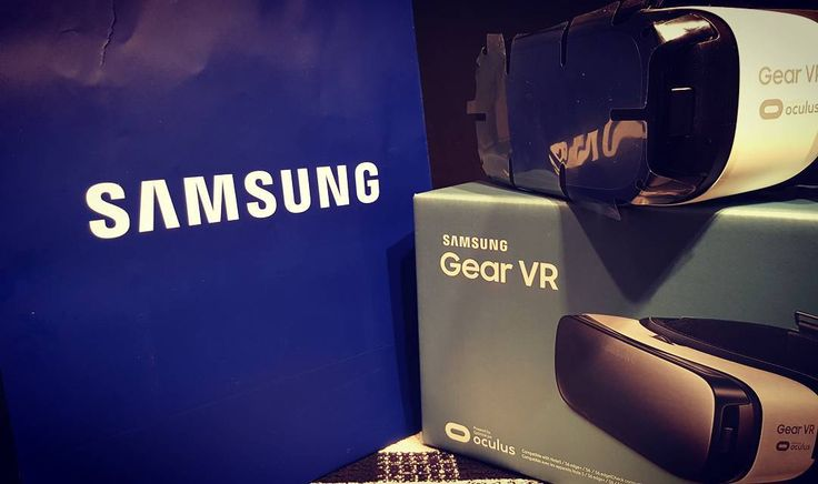 An awesome Virtual Reality pic! You're missing out if you dont have one of these #vr #virtualreality #samsung #fun #gamer #games #anotherworld #vrgearfun #vrgear #dopeshit #torontolife by sovi_love check us out: http://bit.ly/1KyLetq