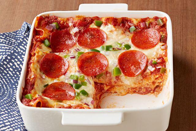 Une lasagne garnie comme une pizza, voilà qui devrait plaire à vos enfants. Mais l'important pour vous, c'est le mot... « facile »!