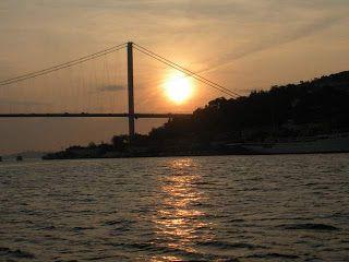 Istanbul - Sunset on the Bosphorus and Good Eats | Sidewalk Safari