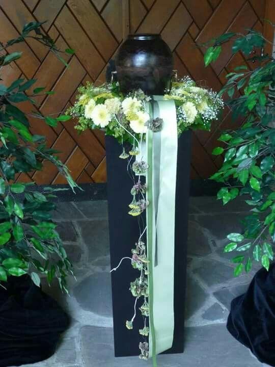 1934 best koszoru images on Pinterest | Funeral flowers, Floral ...