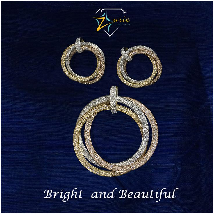 Diamonds are set in this three tone- white, yellow and rose gold to give a contemporary look which will go perfectly with your long evening gown or the pretty traditional saree!!! #EveningWear #Fusion #PendantSet #Jewellery #Pendant #Baalis #Graceful #Zurie