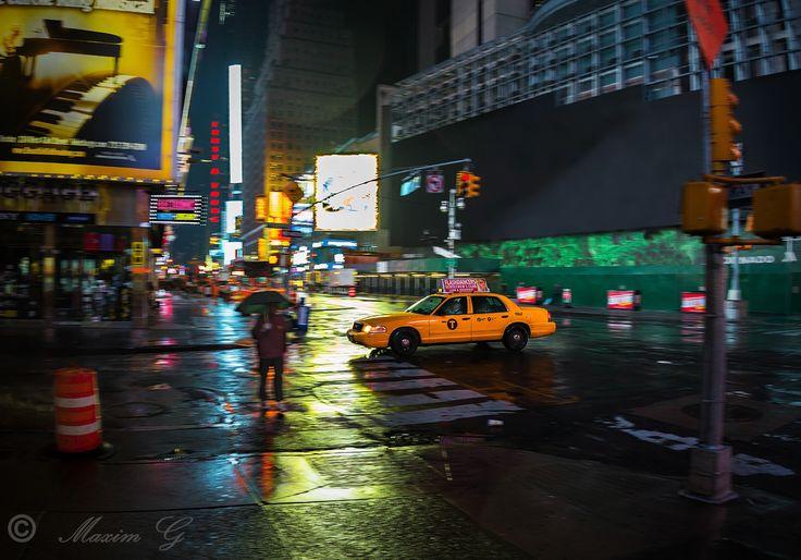 #newyork, #taxi, #timesquare, #night, #rain, #umbrella, #citylights, #photography #travelphotography
