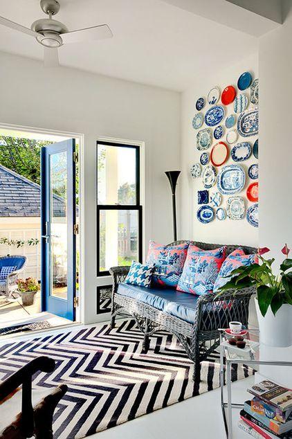 Bauhaus-Look Eingang & Garderobe by Patty Kennedy Interiors, LLC