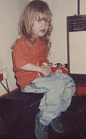 Childhood photo of Adele Adkins  http://celebrity-childhood-photos.tumblr.com/