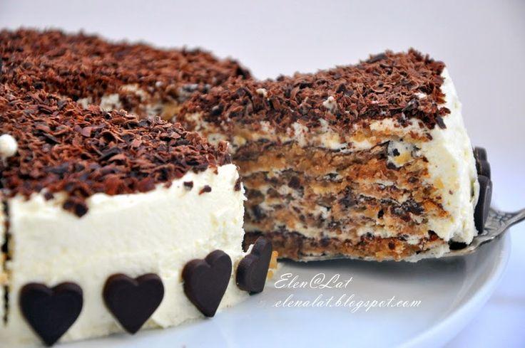 Итальянский ореховый торт.  Он практически без муки. Представляете, на целый торт 1 чайная ложечка!
