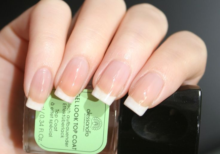 Karinas French Nails mit alessandro®