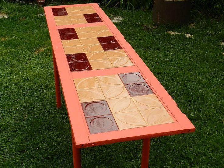Mesa azulejos coral