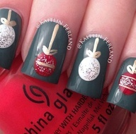 Your Christmas nail design! With that dark Christmas green and a beautiful red