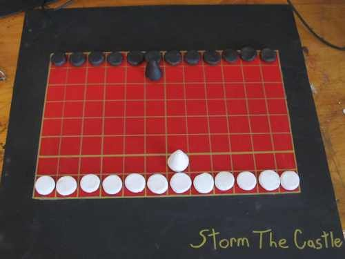 """Great site.  Play an old Roman game! """"In this tutorial we bring back an ancient board game called Ludus Latrunculorum. This game is believed to date as far back as 116 BCE."""""""