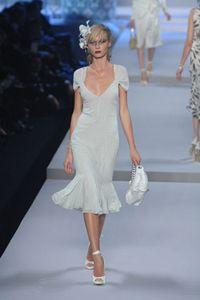 Christian Dior: косметика dior, духи dior, сумки dior. Полный каталог Cristian Dior.